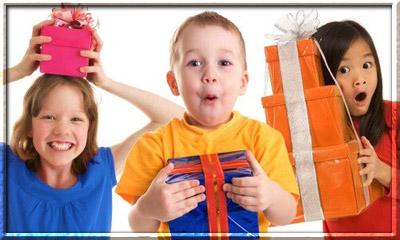 Как вручать подарки детям на Новый год?