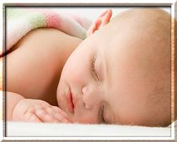 Почему ребенок новорожденный часто дышит во сне