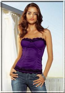Перейти.  Корсет (фр. corset) - предмет женской одежды в виде широкого пояса...