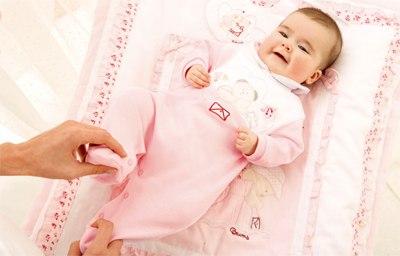 Как одевать новорожденного дома?