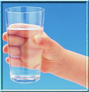 Давать ли ребенку воду?