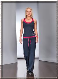 одежда в спортивном стиле