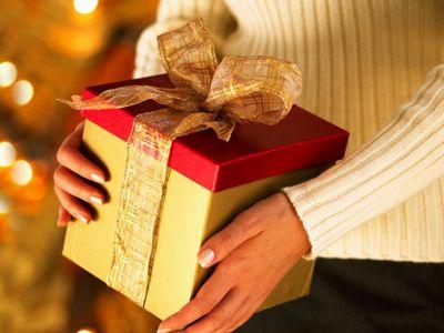 Что дарить близким на день рождения