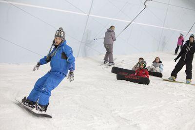 Санки, сноуборды и лыжи