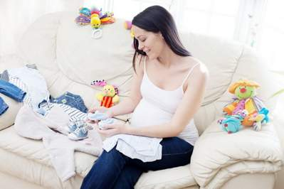 Как выбрать детский костюм для новорожденного ребёнка