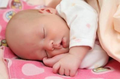 Как класть новорожденного?