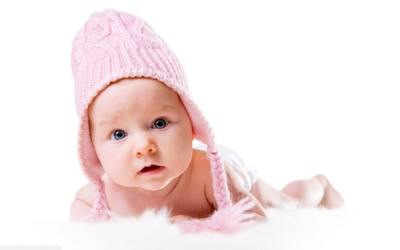 Как выбрать одежду малышу до года?