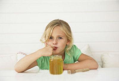 можно ли детям давать мед