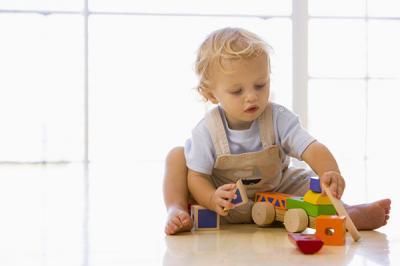 Чем занять ребенка двух лет?
