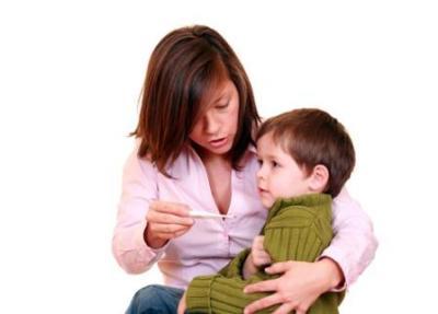 Можно ли гулять ребенку с температурой?