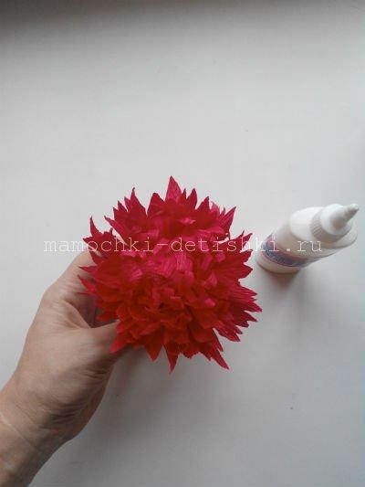 Цветы из гофрированной бумаги своими руками