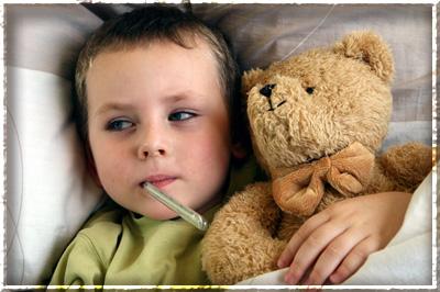Когда сбивать температуру ребенку?