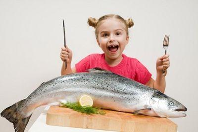 Когда давать рыбу ребенку