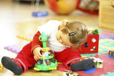 Почему дети ломают игрушки?