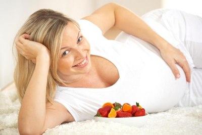 Можно ли беременным есть клубнику?
