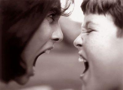 Что делать, если ребенок раздражает?